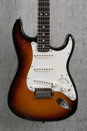 Used 1995 Fender Roland Ready USA Stratocaster Two-tone Sunburst