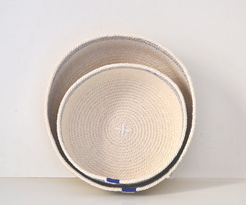 Cotton cord bowl with blue detail