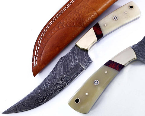 Handmade Damascus steel blade knife