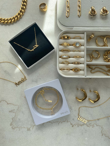 Why Personalised Jewellery Makes A Great Gift