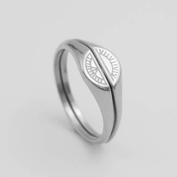 The best signet rings for women - two piece signet ring