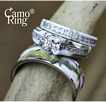 Camo His & Hers Wedding ring set