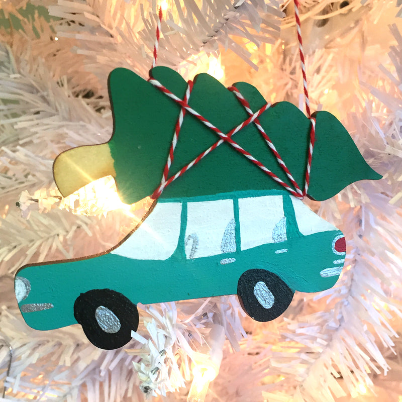 Christmas Kitsch Ornament - Bringing Home the Tree