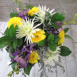 Burlington Florist - Hand-Tied Bouquet Sun Shower - EuroStyle Flower Market