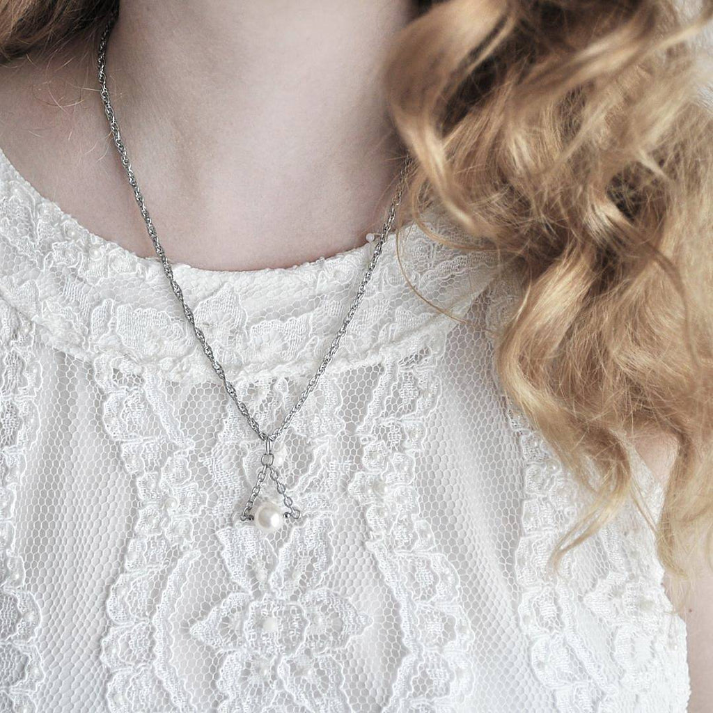 Christie Necklace in Silver (Cream)