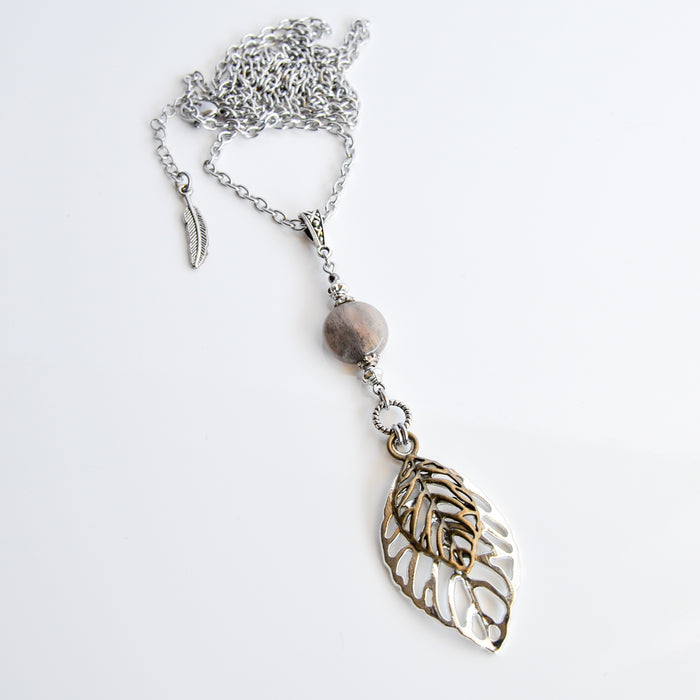 Sunstone & Leaves Necklace in Silver