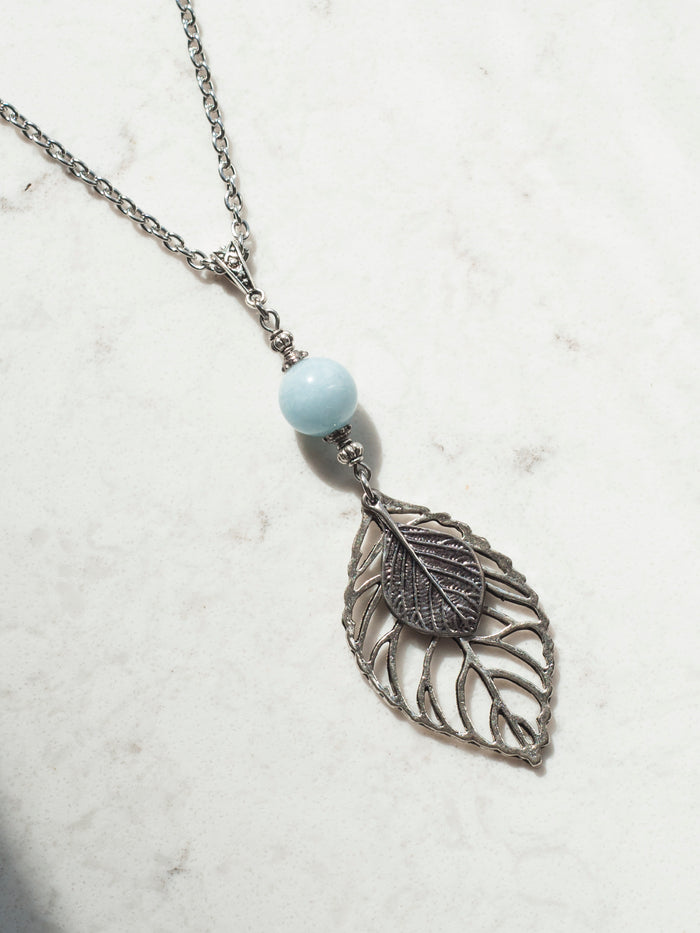 Aquamarine & Leaves Necklace in Silver