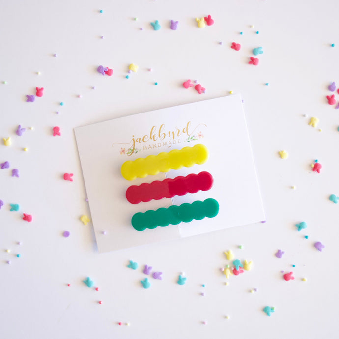 Bright Acrylic Scalloped Clip Set
