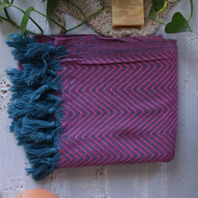 KARIA Handwoven Cotton Throw Fuchsia on Petrol
