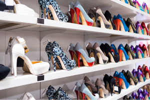 HOW TO CHOOSE HEELS FOR THE BEGINNERS