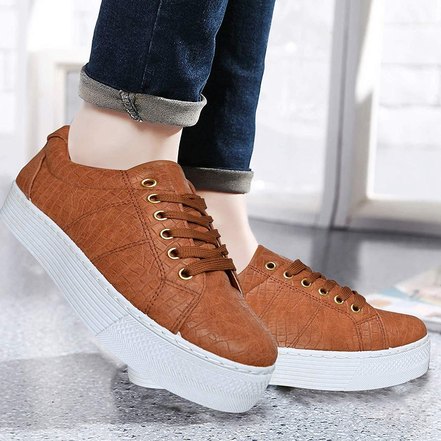 WOMENS FLAT WHITE LACE-UP TRAINERS PUMPS PLIMSOLLS CASUAL SKATER SHOES UK 3-8
