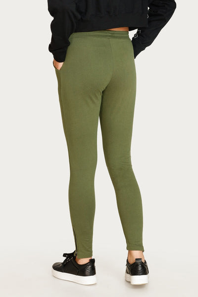 Zivame Easy Movement Zipper Panel Track Pant - Green