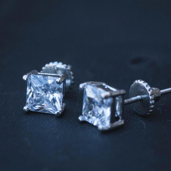 Princess Cut Square Diamond Stud Earrings in White Gold - The Jewelry Plug