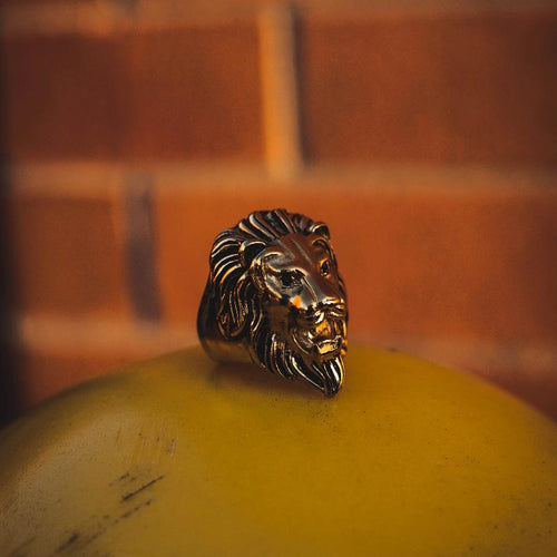18k Yellow Gold Lion Head Ring - The Jewelry Plug
