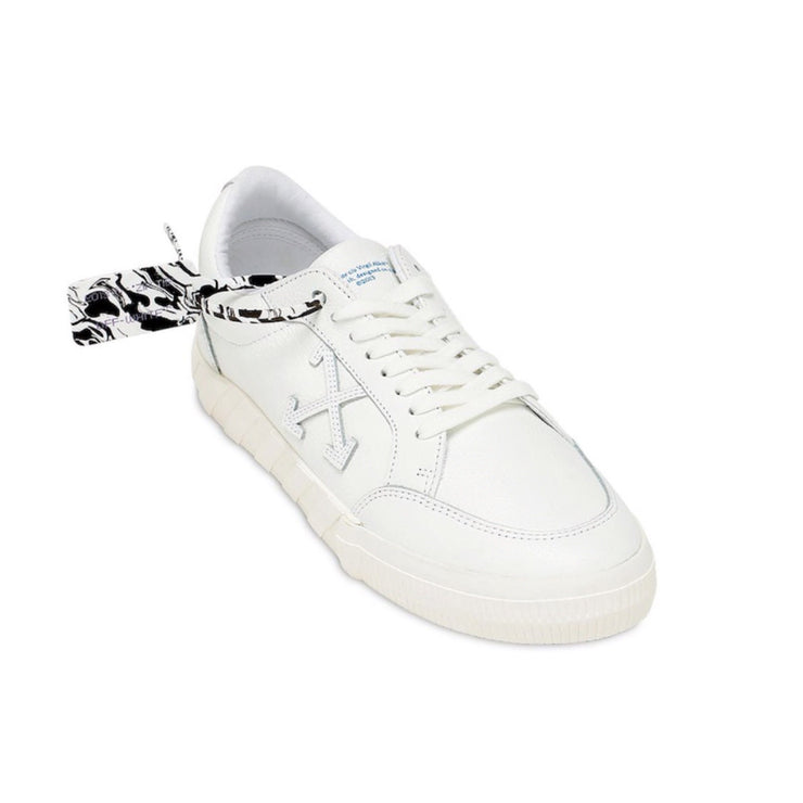 Off-White Low Vulcanized Leather Sneaker - DANYOUNGUK