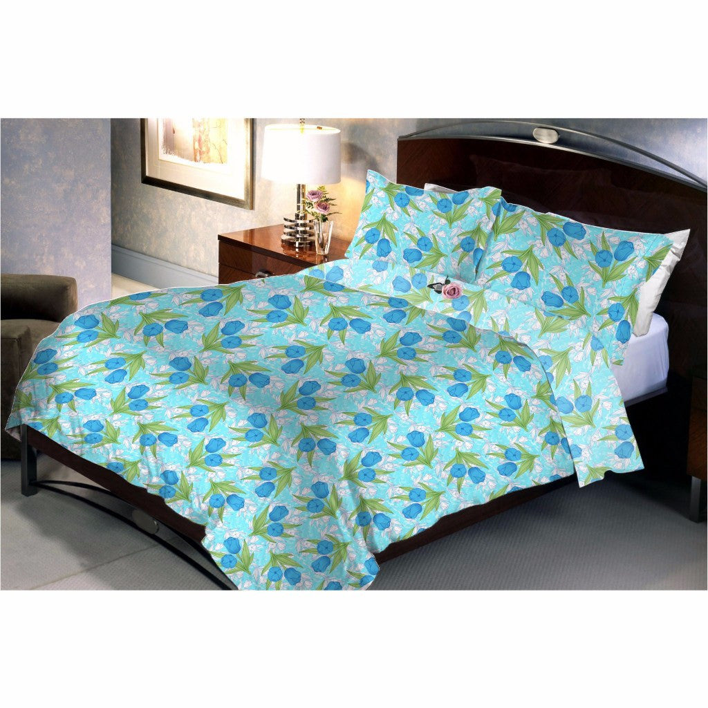 Light cyan creepers bed sheet