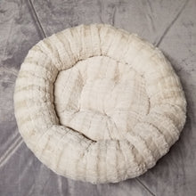 Faux Fur Round Bed - Large