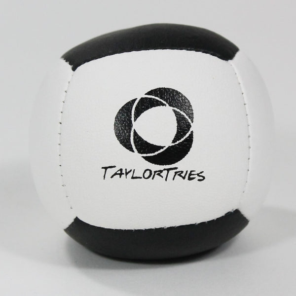 Taylor Tries Signature Juggling Ball - (1) Beginner 6 Panel Ball