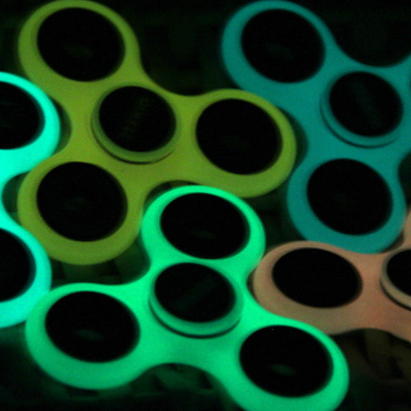 Zeekio Glow in Dark Hand Spinner - Great spin time! Awesome Glow Colors