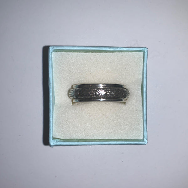 Spinner Ring 2 - Size 8