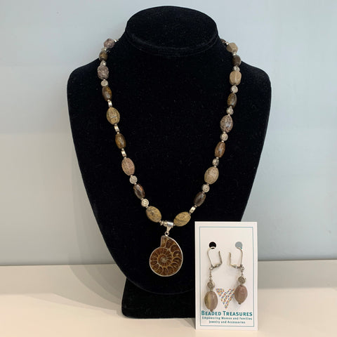 Fiona - Necklace & Earring Set