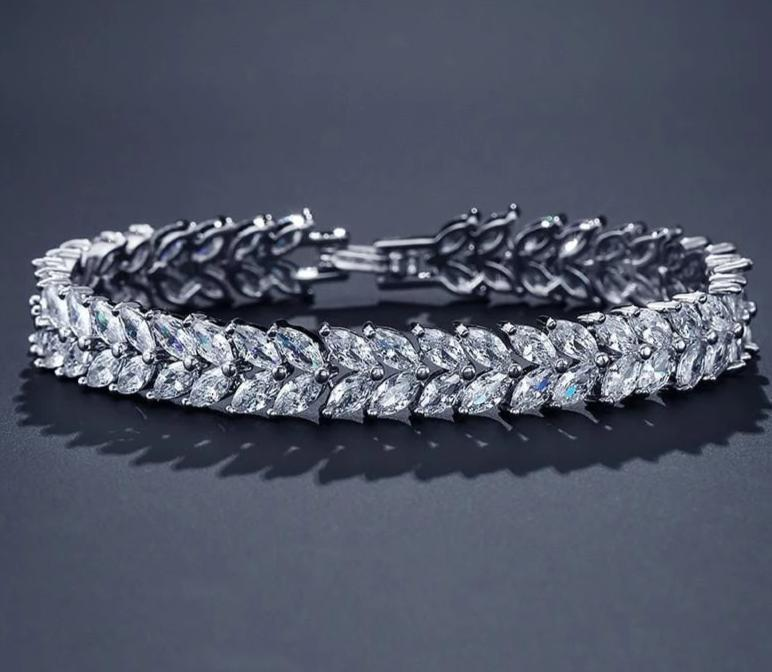 Fashion Zircon Crystal Leaf  White Color Bracelets