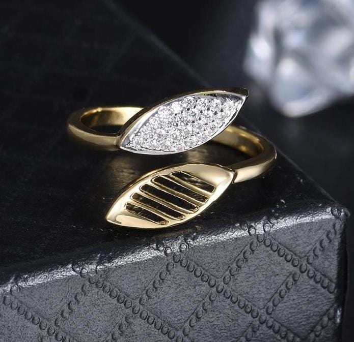 Resizable Leaf Open Ring