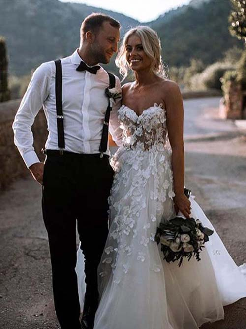 Simidress.com offer Gorgeous White A Line Sweetheart Tulle Wedding Dresses with Appliques, SW233