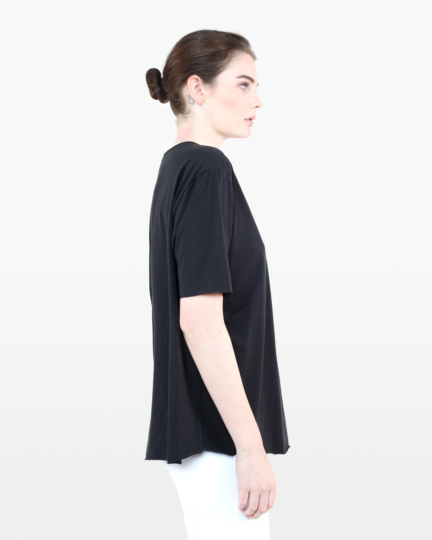 Nightingale Tee STJ in black