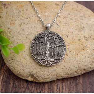 Beloved Life Jewelry: 6 Sisters 'Tree of Life' Pendant Necklace [Silver]