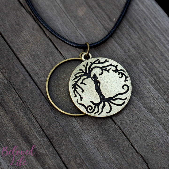 Locket Style Woman 'Tree of Life' Pendant Necklace [Antique Bronze]