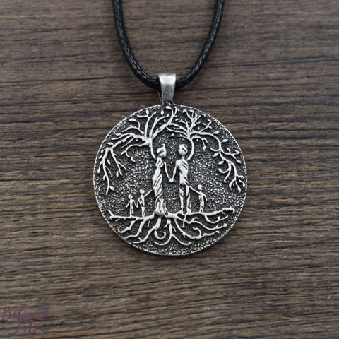 Beloved Life Jewelry: Grandparents & 3 Grandchild 'Tree of Life' Pendant Necklace [Silver]