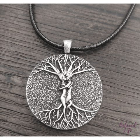 Beloved Life Jewelry: Man & Woman Embraced 'Tree of Life' Pendant Necklace [Silver]