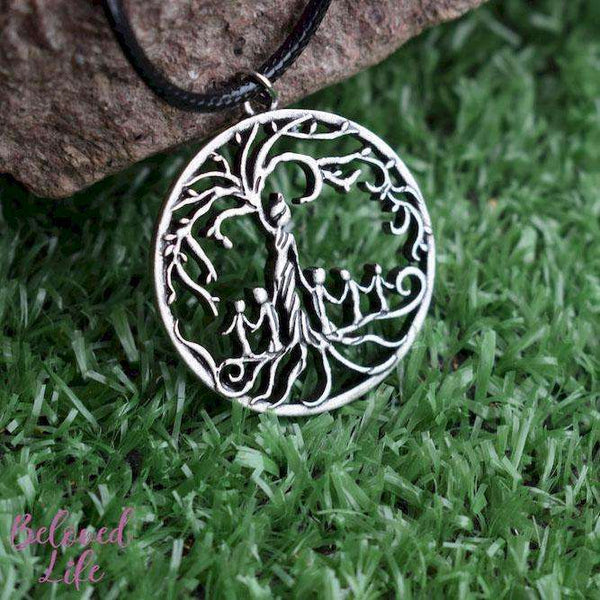 Beloved Life Jewelry: Mom & 5 Child 'Tree of Life' Hollowed-Out Pendant Necklace [Antique Silver]