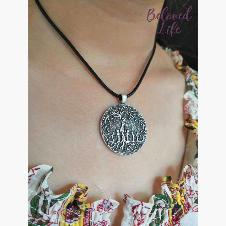 Beloved Life Jewelry: Mom & 5 Child 'Tree of Life' Pendant Necklace [Silver]