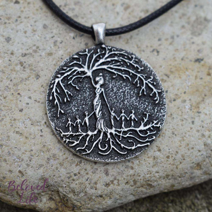 Beloved Life Jewelry: Mom & 6 Child 'Tree of Life' Pendant Necklace [Silver]