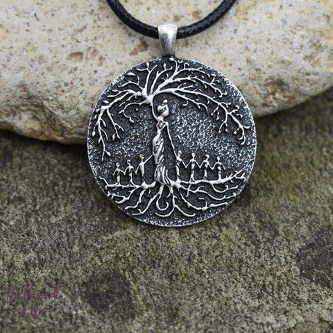 Beloved Life Jewelry: Mom & 7 Child 'Tree of Life' Pendant Necklace [Silver]