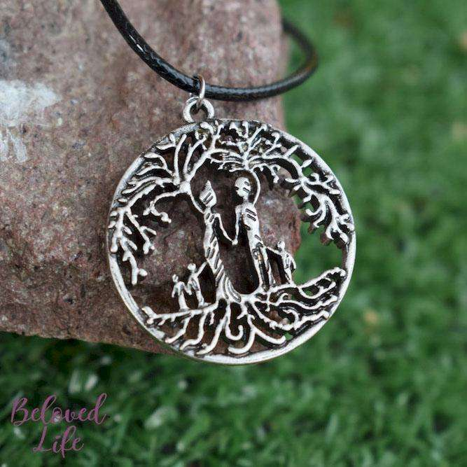 Beloved Life Jewelry: Parents & 3 Child 'Tree of Life' Hollowed-Out Pendant Necklace [Antique Silver]