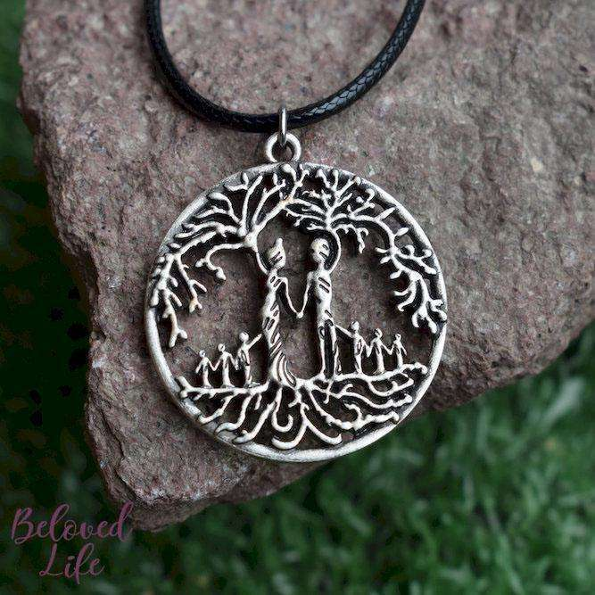 Beloved Life Jewelry: Parents & 6 Child 'Tree of Life' Hollowed-Out Pendant Necklace [Antique Silver]