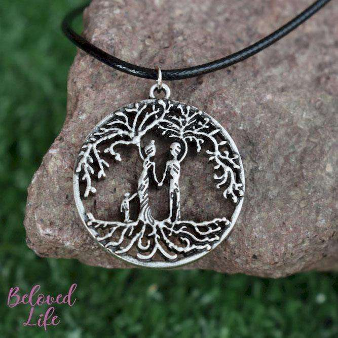 Beloved Life Jewelry: Parents & Son 'Tree of Life' Hollowed-Out Pendant Necklace [Antique Silver]