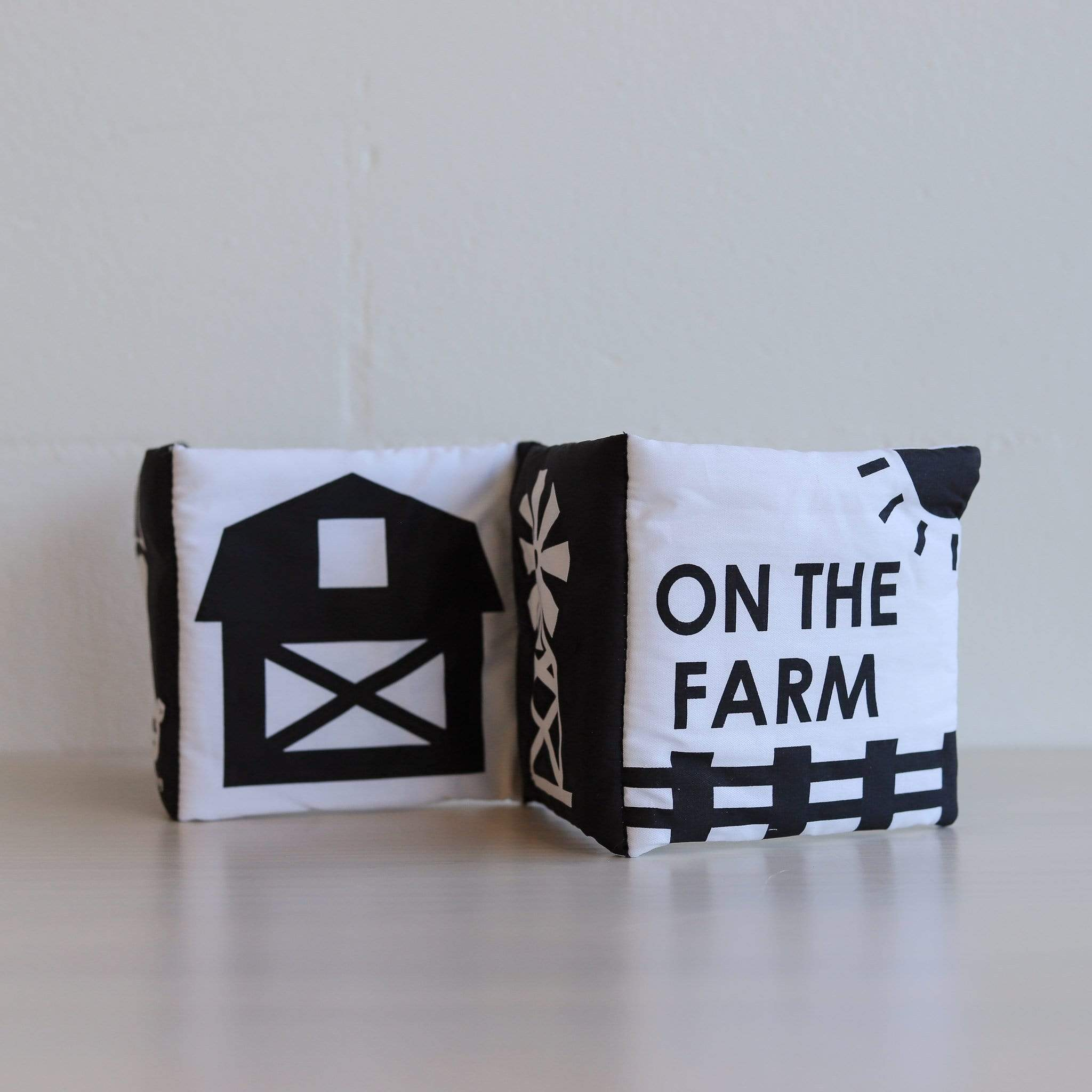 Luxe Soft Books Fold Out Book - On The Farm