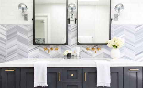 mix metals, bathroom decor