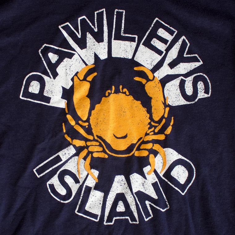 Pawleys Island (Circle Crab) premium T-shirt sleeve