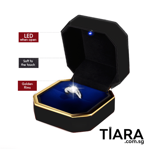 Adjustable Ring with Lighted Ring Box