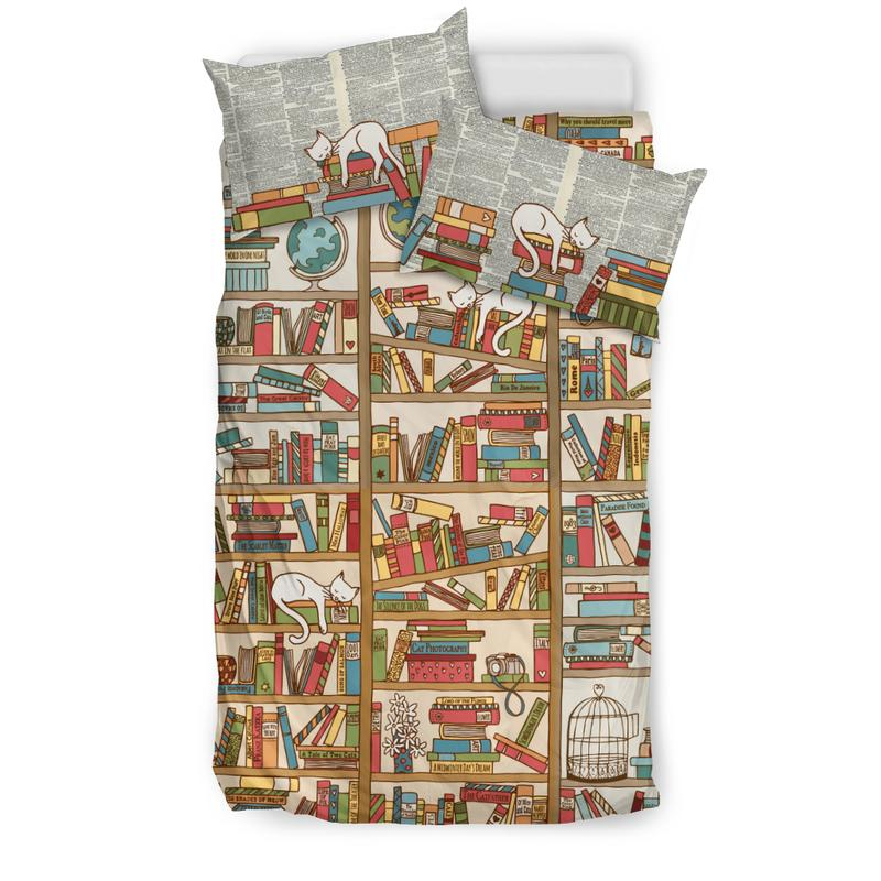 Book Themed Bedding Set for Cat & Book Lovers. Click this image for more details!