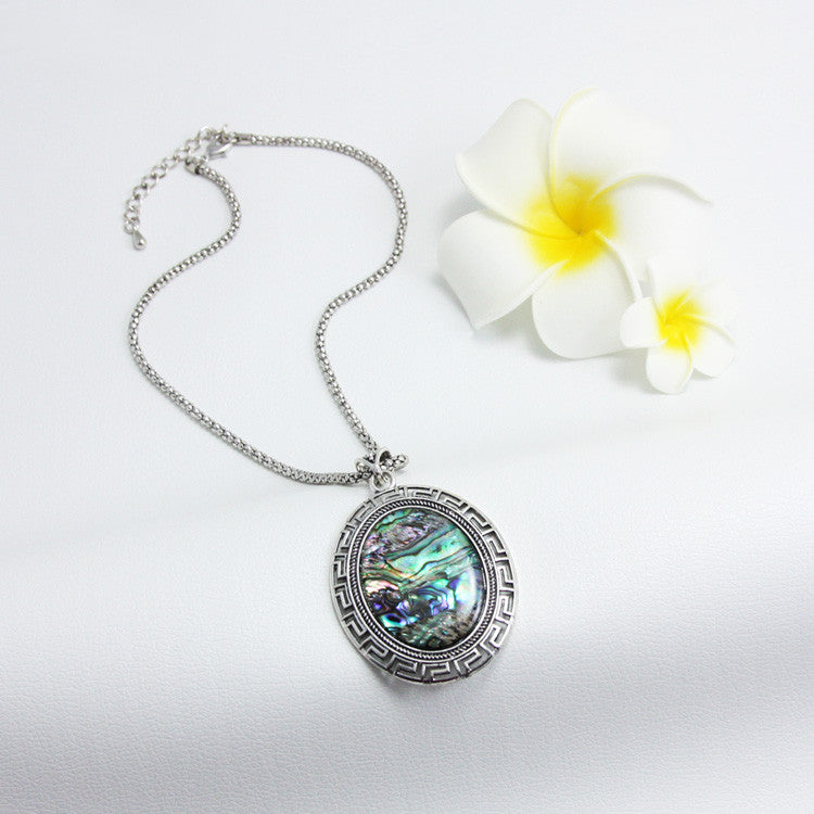 Big Silver Flower Shell Pendant Necklace - PicaPicaBeauty