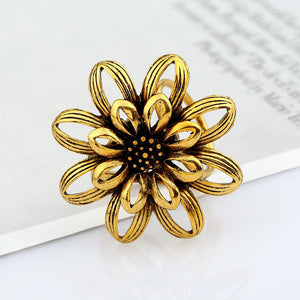 Sunflower Vintage Brooch - PicaPicaBeauty