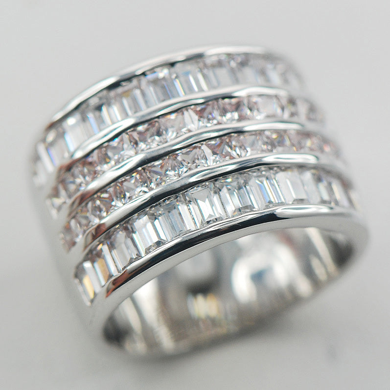 White Sapphire ROYALTY Ring - PicaPicaBeauty