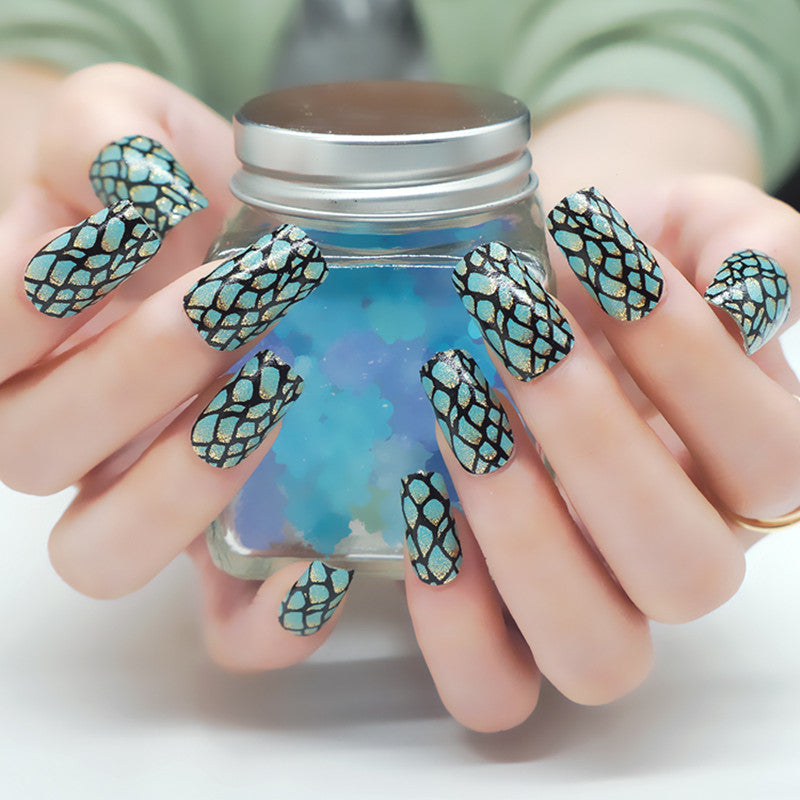 16 Nail Polish Stickers - Lizard - PicaPicaBeauty