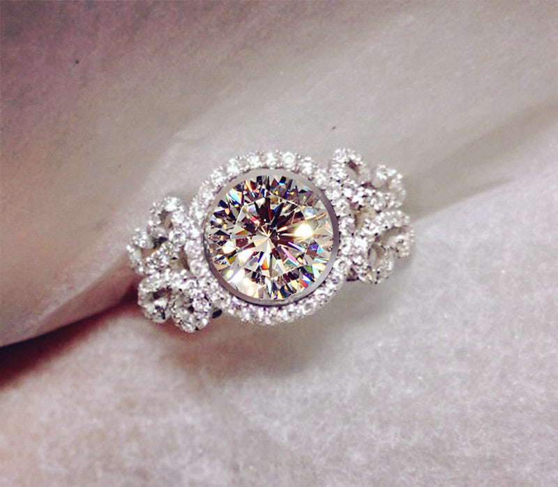 MADAME Round Stone Ring - PicaPicaBeauty